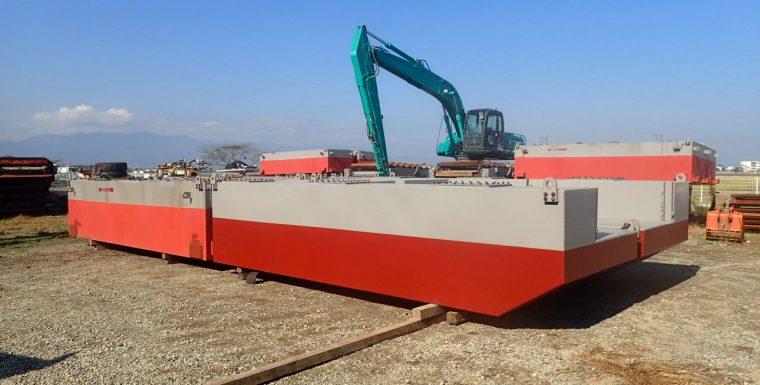 FLEET Engineering exported Pontoons for Kobelco backhoe for dredging canals in Japan
